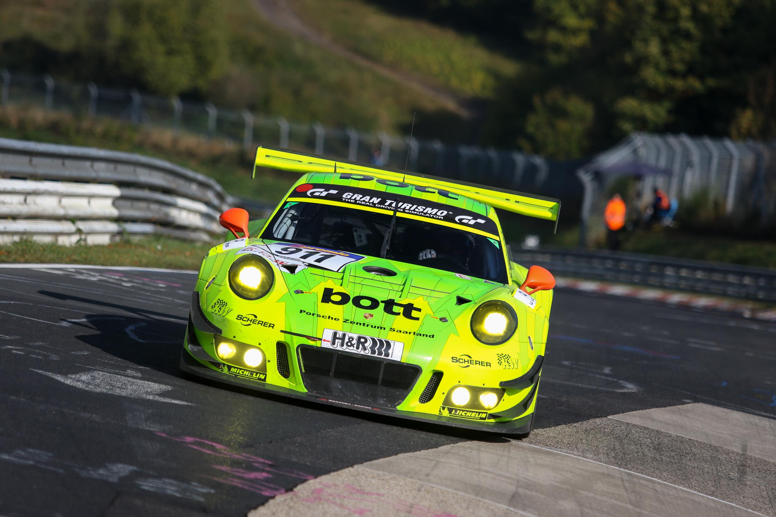 Bathurst Car Racing