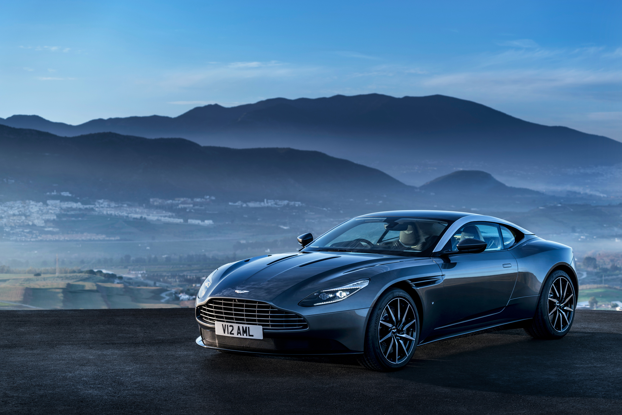 Fotostrecke Aston Martin Stattet Db11 Mit V12 Twin Turbo Aus Sportscar Info De