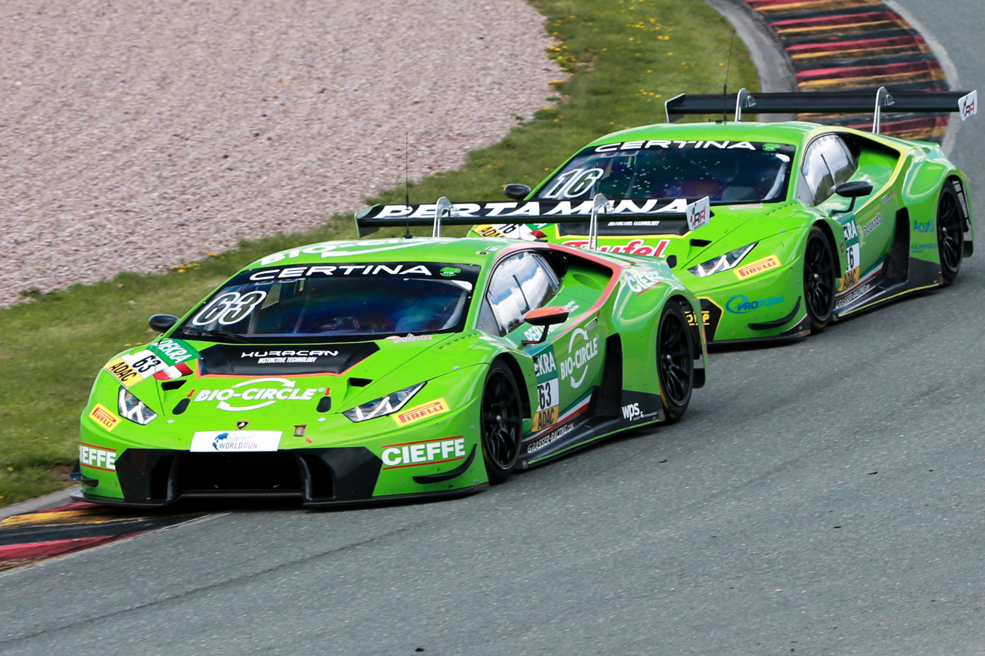 adac gt masters grasser racing rotiert im fahrerkader sportscar. Black Bedroom Furniture Sets. Home Design Ideas