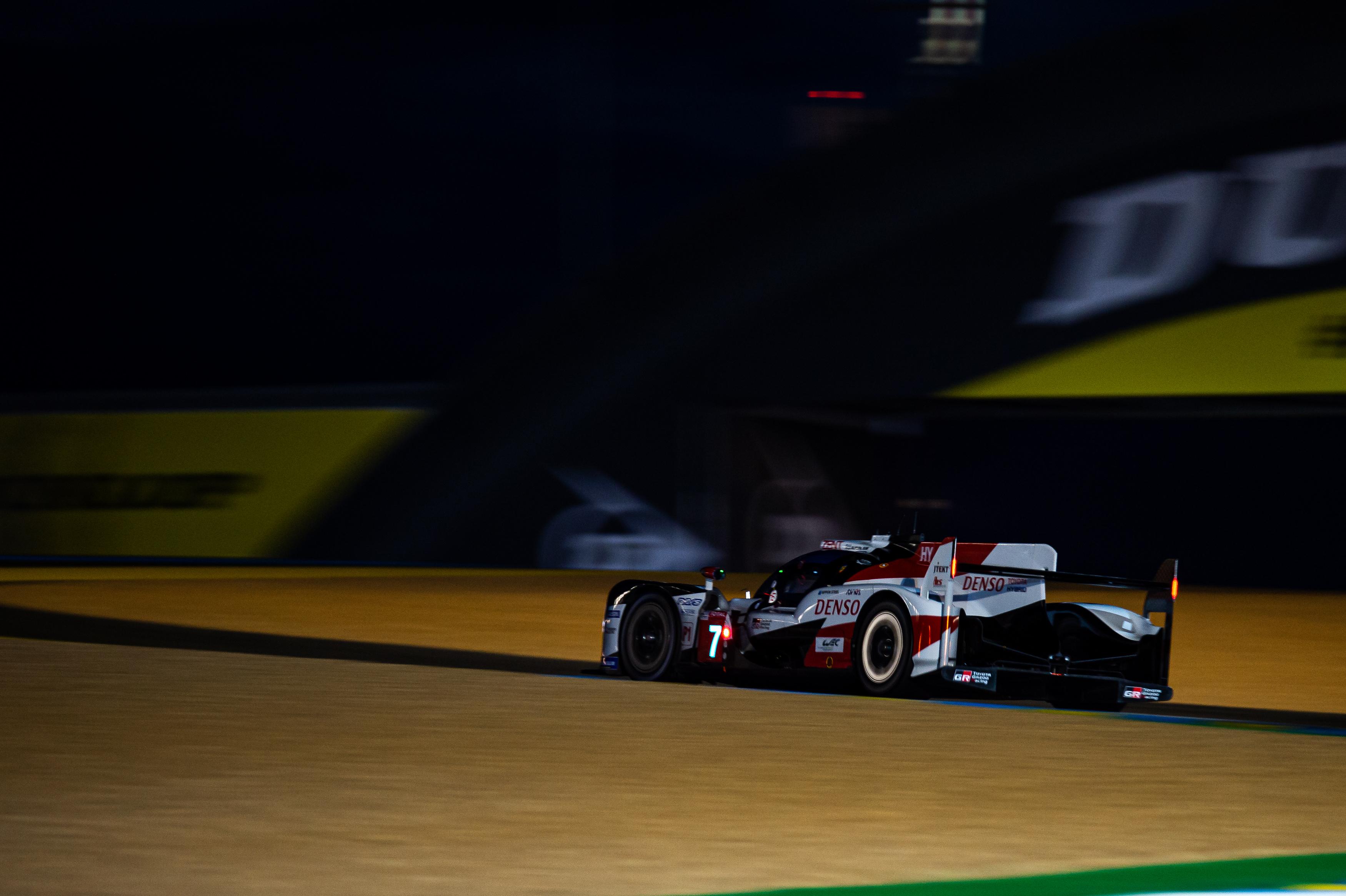 Le Mans Kamui Kobayashi Schraubt Die Bestzeit Nach Unten