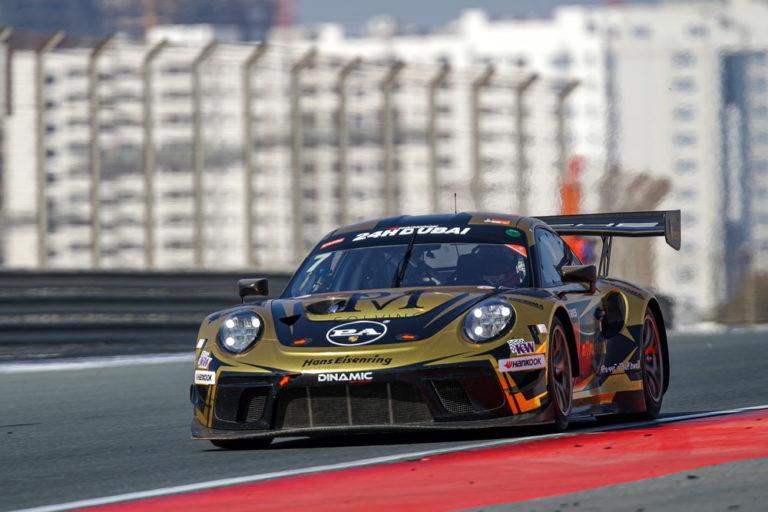 Dubai 24: Dinamic Motorsport setzt Bestzeit im freien Training