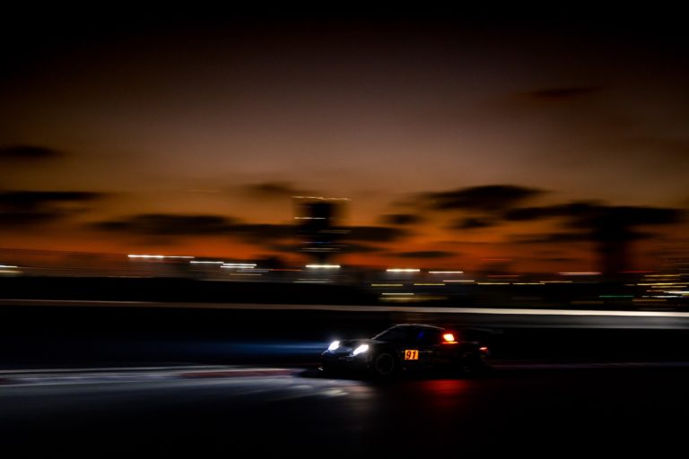 Dubai 24: Herberth Motorsport positioniert sich auch im Nachttraining vorne