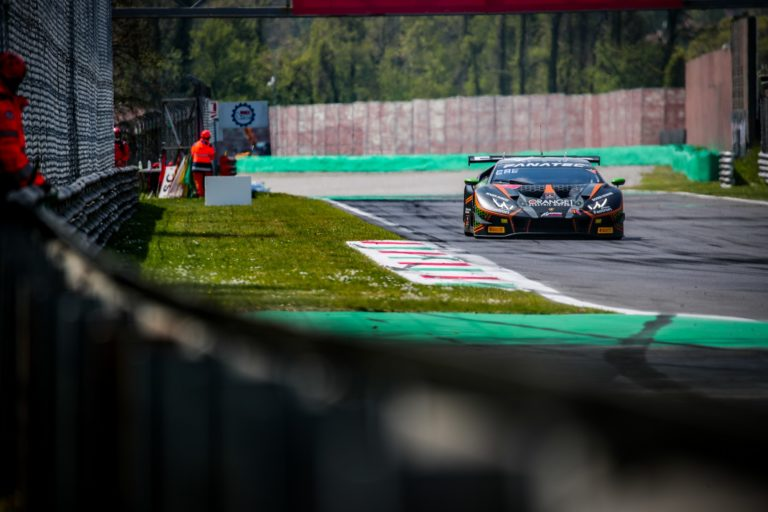 Monza: Orange 1 FFF Racing Team auf der Poleposition beim Saisonauftakt