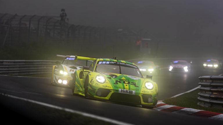 N'ring 24: Manthey-Racing ringt Rowe Racing in wildem Rennen nieder