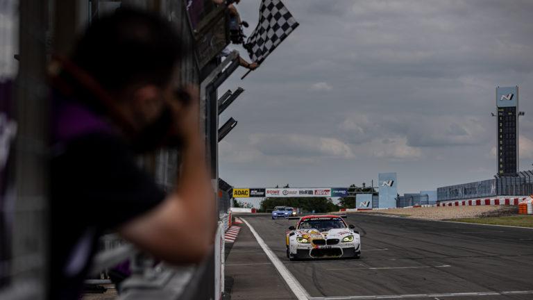 NLS: BMW-Nachwuchs gewinnt die Adenauer Rundstrecken-Trophy