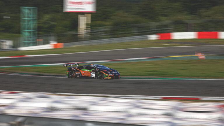 GTWC Nürburgring: FFF Racing dominiert Rennen, WRT krönt sich zum Meister