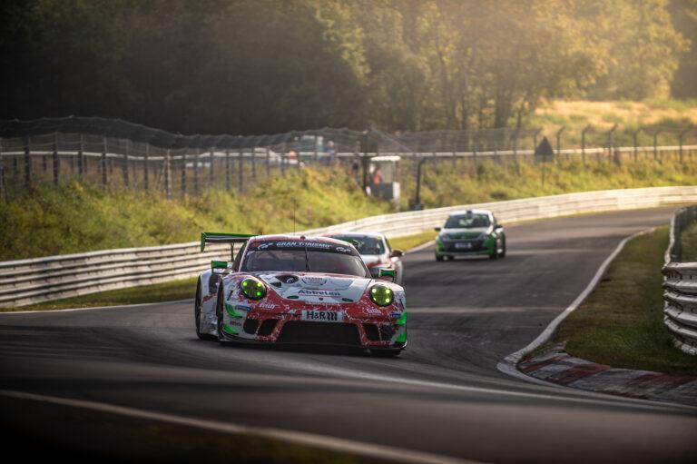 NLS: Frikadelli Racing sichert sich Pole in schneller Qualifikation